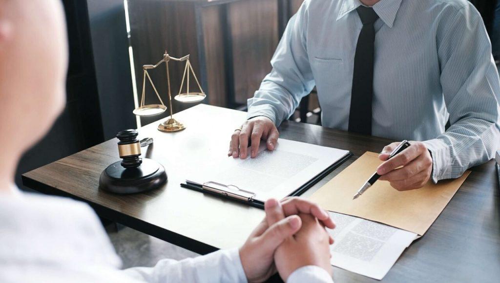 Как выбрать юриста по банкротству